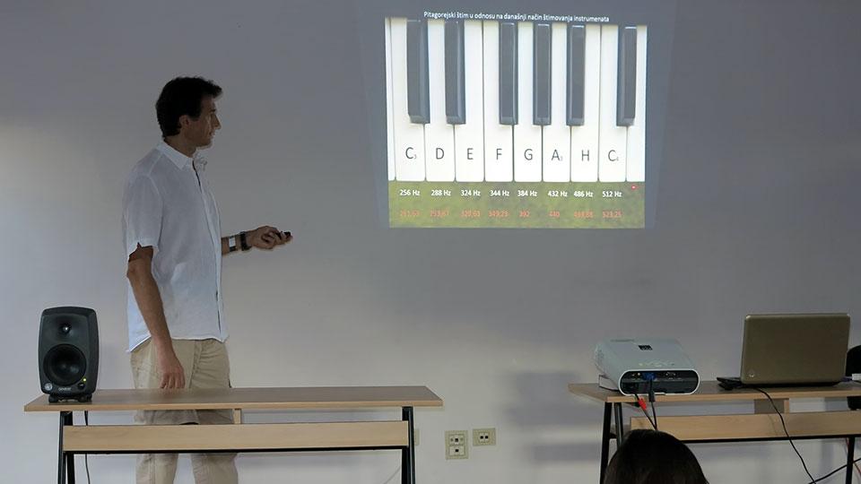 Predavanje i metitacija uz muziku - Joga studio Hipokrat